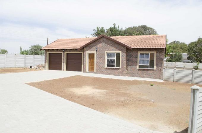 2 Bedroom Sectional Title for Sale For Sale in Meyerton - Home Sell - MR110207