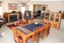 Lounges - 29 square meters of property in St Francis Bay