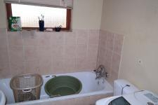 Bathroom 1 - 2 square meters of property in Blue Downs