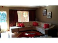 Lounges of property in Lenasia South