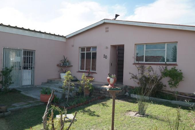 6 Bedroom House for Sale For Sale in Matroosfontein - Home Sell - MR110358