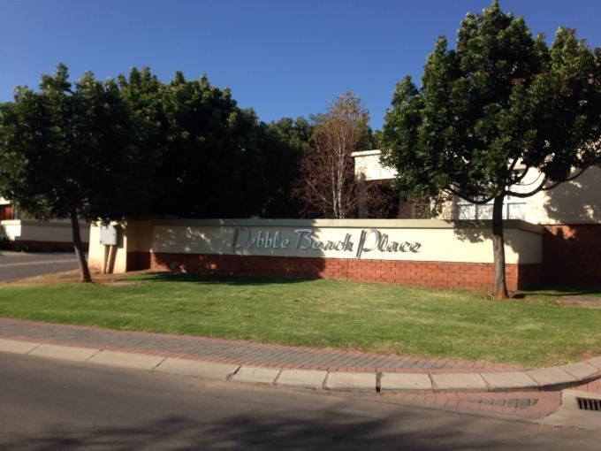 2 Bedroom Apartment for Sale For Sale in Roodepoort - Home Sell - MR110386