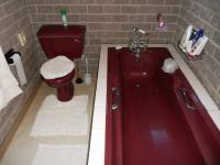 Bathroom 1 - 7 square meters of property in Port Elizabeth Central