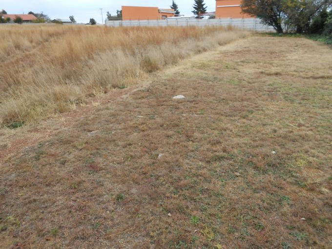 Land For Sale in Vaal Oewer - Home Sell - MR110488