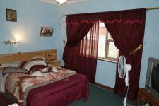 Bed Room 1 - 18 square meters of property in Wellington