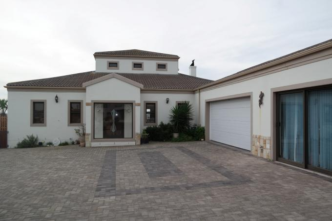 3 Bedroom House for Sale For Sale in Langebaan - Private Sale - MR110504