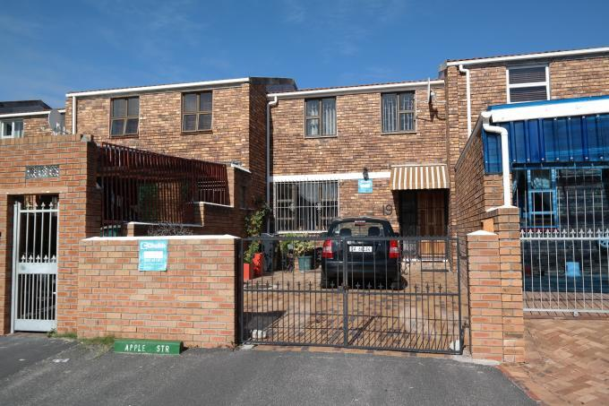 3 Bedroom House for Sale For Sale in Mitchells Plain - Home Sell - MR110527