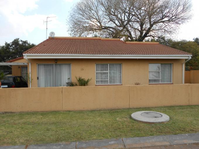 3 Bedroom Cluster for Sale For Sale in Meyerton - Home Sell - MR110578