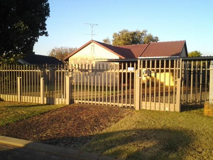 Standard Bank EasySell 3 Bedroom House For Sale in Mayberry Park - MR110589