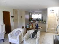 Lounges - 51 square meters of property in Stilbaai (Still Bay)