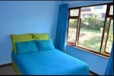 Bed Room 1 - 13 square meters of property in Umtentweni