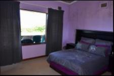 Bed Room 2 of property in Umtentweni