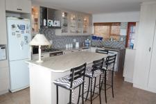 Kitchen - 17 square meters of property in Pearly Beach
