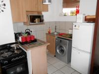 Kitchen - 6 square meters of property in Primrose