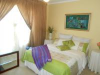 Bed Room 2 - 15 square meters of property in The Orchards