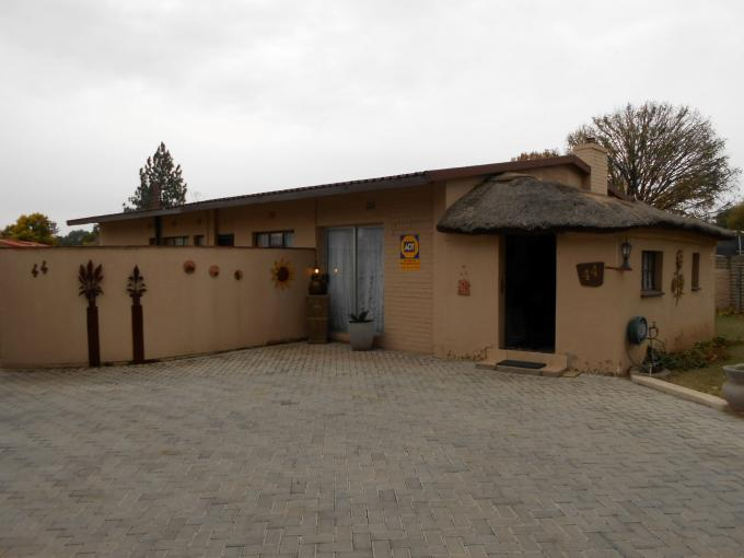 3 Bedroom House For Sale in Sasolburg - Private Sale - MR110801