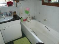 Bathroom 1 - 6 square meters of property in Bryanston