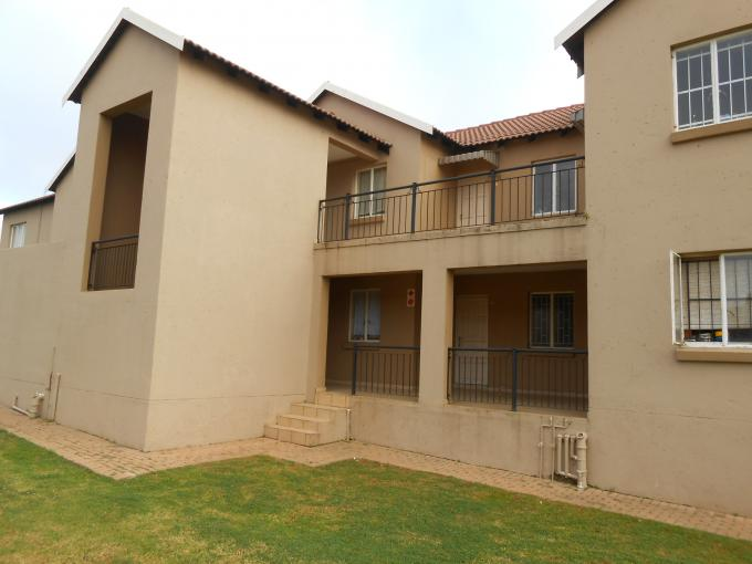 1 Bedroom Sectional Title For Sale in Ruimsig - Private Sale - MR110860