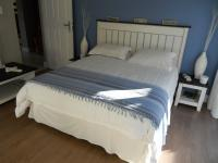 Bed Room 1 - 16 square meters of property in Eden George