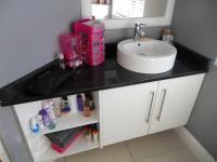 Bathroom 3+ - 18 square meters of property in Eden George