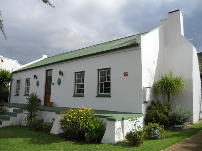 2 Bedroom House For Sale in Barrydale - Private Sale - MR110904