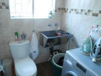 Bathroom 1 - 3 square meters of property in Mountain View