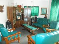 Lounges - 23 square meters of property in Silverton