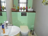 Bathroom 1 - 2 square meters of property in Waterkloof Heights