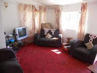 Lounges - 20 square meters of property in Winterton