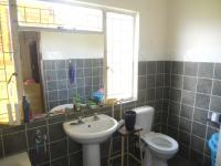 Bathroom 1 - 14 square meters of property in Winterton
