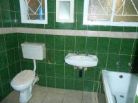 Bathroom 2 - 6 square meters of property in Lotus Gardens