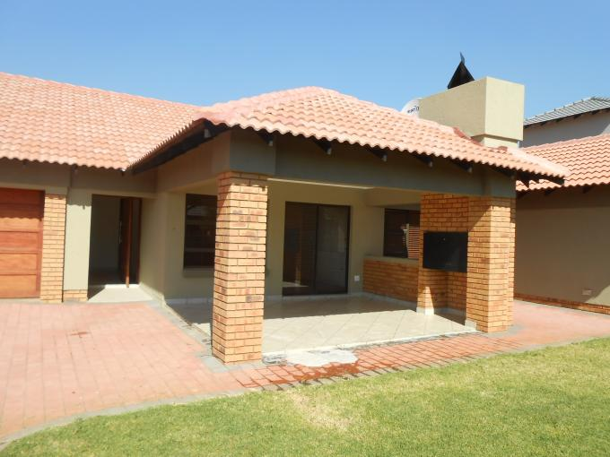 3 Bedroom House For Sale in Raslouw - Home Sell - MR111036