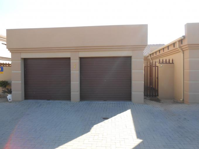 2 Bedroom Sectional Title For Sale in Vaalpark - Home Sell - MR111037