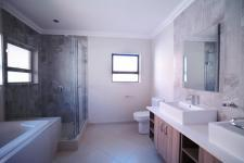 Bathroom 1 - 8 square meters of property in The Wilds Estate