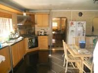 Kitchen - 24 square meters of property in Hayfields
