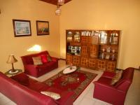 Lounges - 39 square meters of property in Tongaat