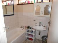 Main Bathroom - 6 square meters of property in New Germany