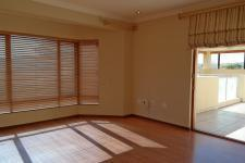 Main Bedroom - 38 square meters of property in Woodhill Golf Estate
