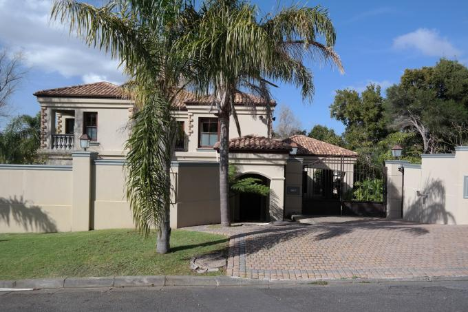 Standard Bank EasySell 6 Bedroom House For Sale in Constantia CPT - MR111262
