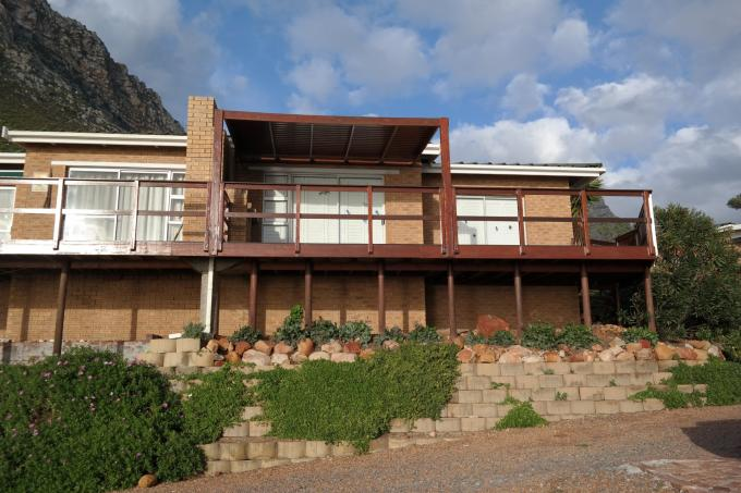 2 Bedroom House for Sale For Sale in Gordons Bay - Home Sell - MR111288