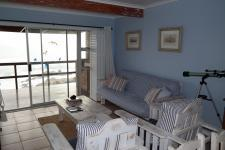Lounges - 15 square meters of property in Gordons Bay