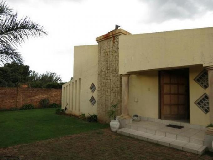 Standard Bank EasySell 3 Bedroom House For Sale in Bonaero Park - MR111332