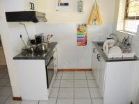 Kitchen - 10 square meters of property in George East