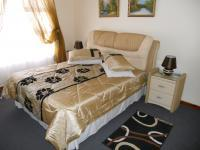 Main Bedroom - 18 square meters of property in George East