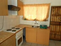 Kitchen - 10 square meters of property in Hesteapark