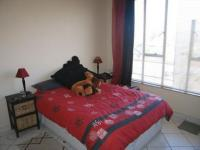 Main Bedroom - 15 square meters of property in La Montagne
