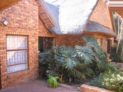 3 Bedroom House for Sale For Sale in Faerie Glen - Private Sale - MR11142