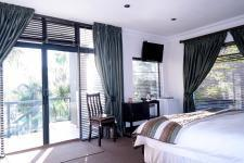 Bed Room 5+ - 85 square meters of property in Silver Lakes Golf Estate