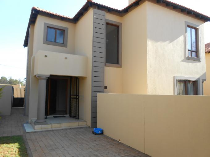 3 Bedroom House for Sale For Sale in Pretorius Park - Private Sale - MR111443