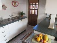 Kitchen - 13 square meters of property in Radiokop